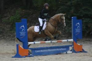 Dorine et Peppy sur le saut